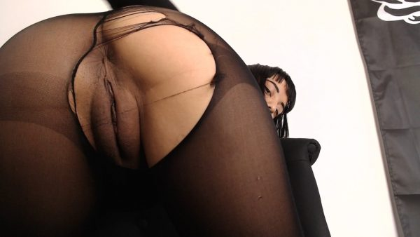 CREAMPIED IN PANTYHOSE – Anna Thorn