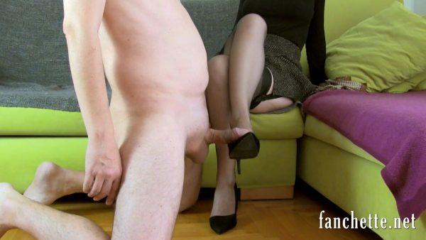 Sur le coup de pied – [HD-1080p – Mp4] – Chronicles of Mlle Fanchette