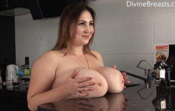 Big Tits Tricks - Divine Breats - Ivanna Lace