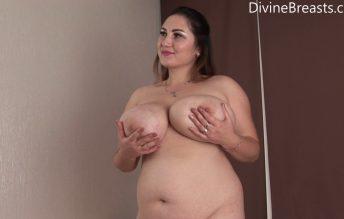 Bikini Bust Out - Divine Breats - Ivanna Lace
