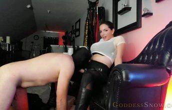 Face Fuck - Goddess Alexandra Snow