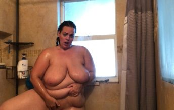 BBW Shower With Me - Kates Kurves