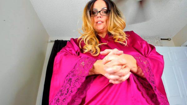 Mommy Makes Magic – Kates Kurves