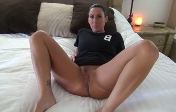 Mom Caught Son With Her Panties - Katie71