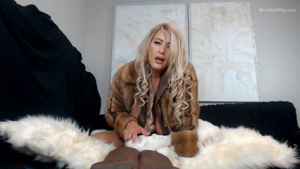 stepmom fur play 720 HD – Merraeday