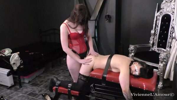 SUB GIRL BOUND, GAGGED AND FUCKED HARD BY THE MISTRESS – Vivienne l'Amour, Jasmine
