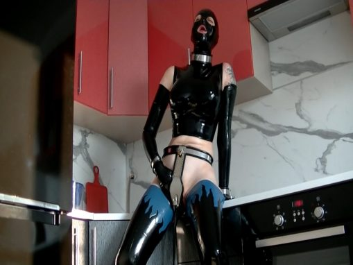 A Trapped pussy Part 1 – Xozt latex studio