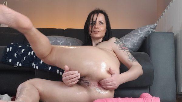 mr hankey huge dildo in my ass – naughtyellexxx