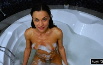 Bath Time With Mommy 1080p - Alyssa Reece