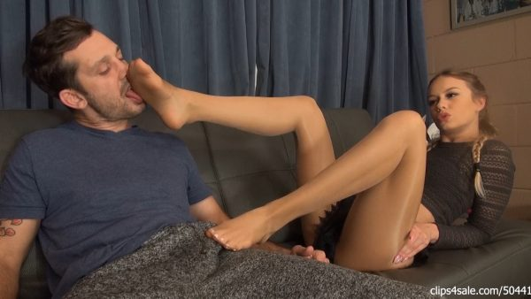 Bratty Step Sister Naomi Swann Makes New Step Brother Cum In Pants – Bratty Babes Own You