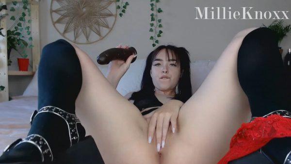 Size Queen Fucks BBC 1080p – Millie Millz