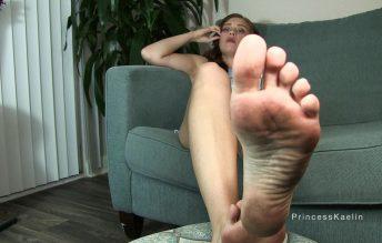 Cum on my dirty feet 1080p - Princess Kaelin