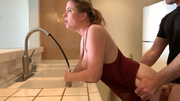 Mom Stuck In The Sink Gets Sons Dick Inside Her 2160p – Erin Electra