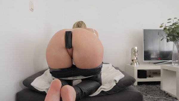 Worked All Day With Huge Buttplug In Her Asshole Part 1 1080p – Helena Lana