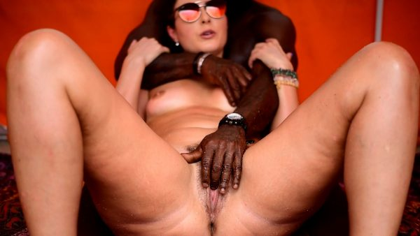 My Cuckold Husband Films My Nude Beach Day! (Pt2) Black Man Rubs My Tits And Plays With My Clit! 1080p – Helenas Cock Quest – Helena Price