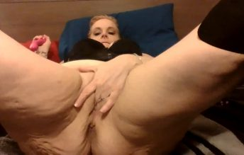 Thick Blonde Milf Cougar Mom Cums And Small Squirt With New Toy 720p - Humpin Hannah