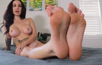 Topless Foot Queen Knights You 1080p - Lindsey Leigh
