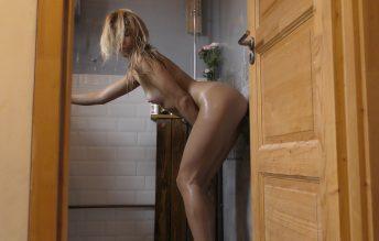 Wet in the shower 2160p - Ocicat - Jana Volkova
