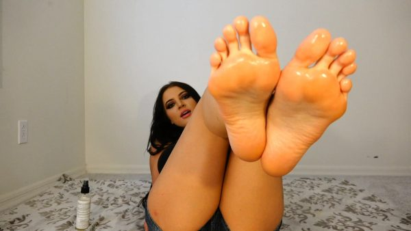 Lick Your Cum Off My Feet JOI 1080p – Countess Crystal Knight