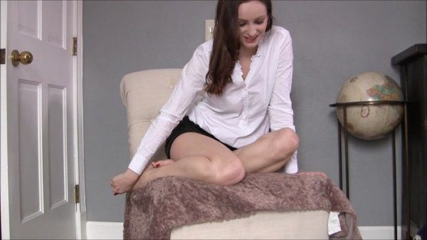 Mistress Victoria – Boyfriend Turned FootBoy