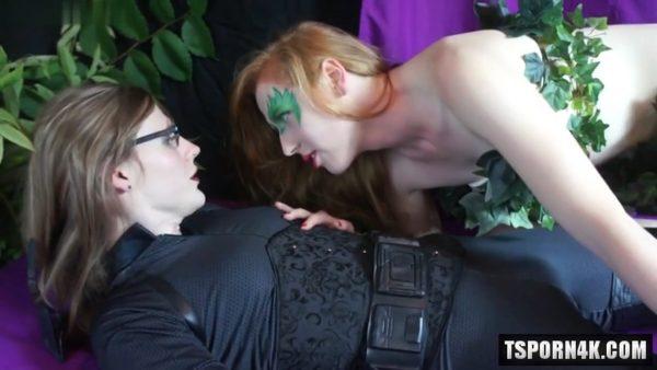 Ivy Tames the Cat Cosplay 720p – Shiri Allwood & Lianna Lawson