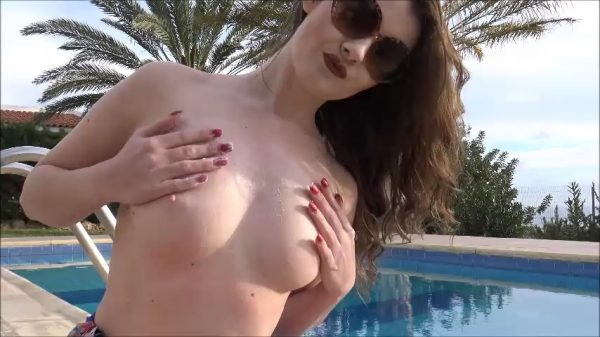Brook Logan – FREE VIDEO OF ME AWAY ON MY HOLIDAY