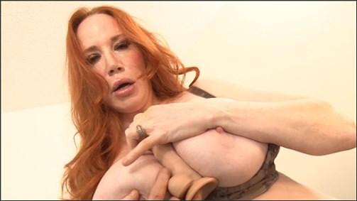 Amber Foxxx – Stepmom Wants Your Cum