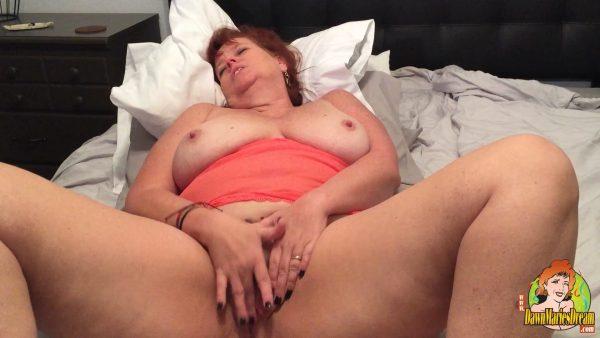 Dawn Marie – Solo Selfie fingering pussy