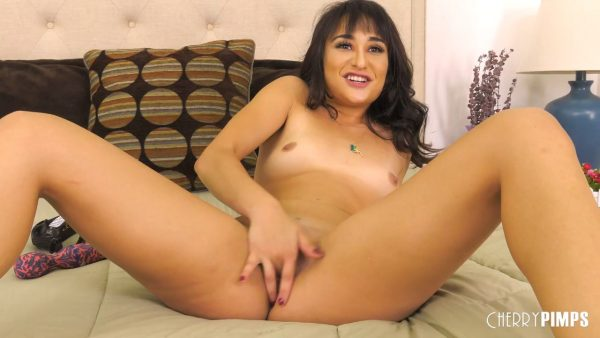 Isabella Nice – Isabella Goes Wild With Her Vibrator