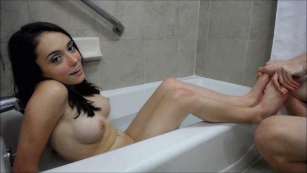 Ashly Anderson – Sexy Bathtub Foot Massage