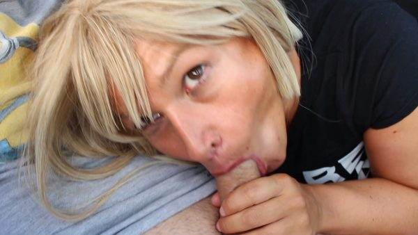 JosieBlow – Dirty Car Blowjob with my Voyer