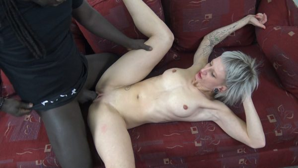 Luna Toxxxic – Pounded By Freddys Bbc Vol1 Facial