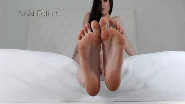 Nikki Fetish – Floored Foot Boy
