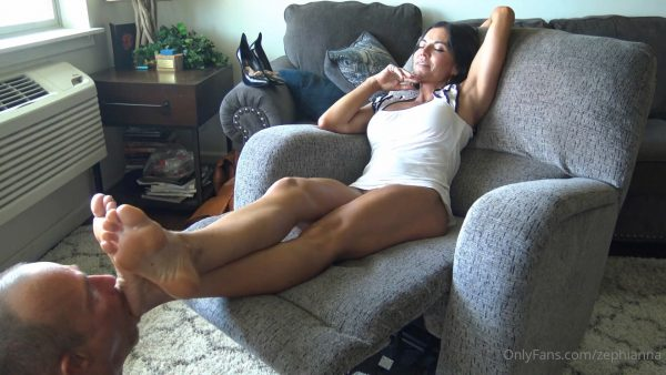 Goddess Zephy – Humiliating My Loser 2 – Post Date