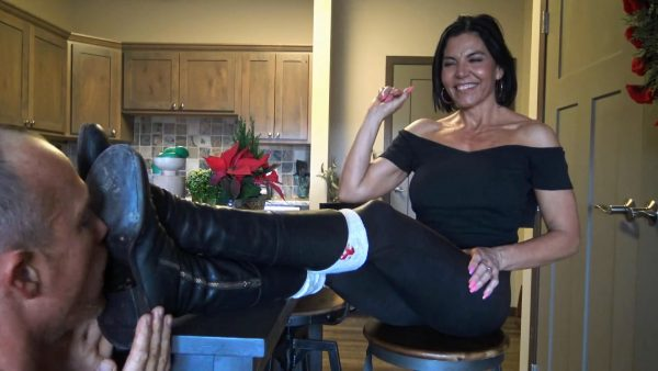 Goddess Zephy – Lick The Soles Of My Boots Clean Loser