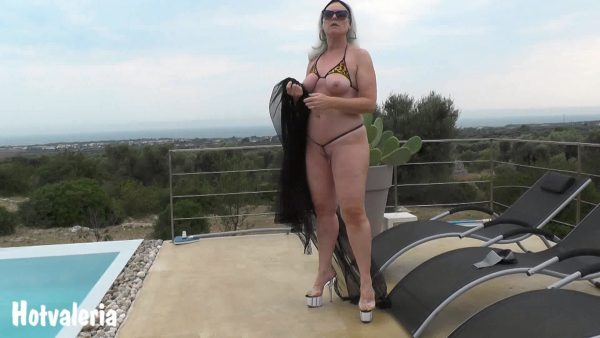 Hotvaleria – In The Negligee By The Pool