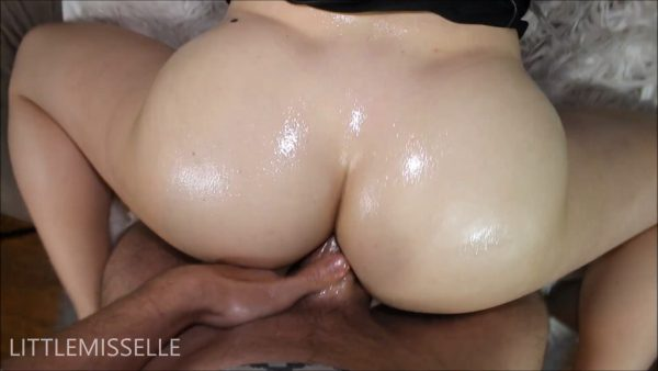 LittleMissElle – First Anal Play with Creampie