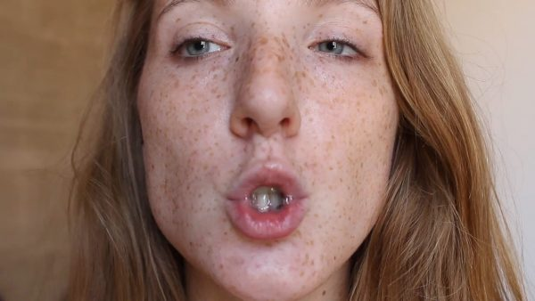 LittleRedheadLisa – Shhh Square lips