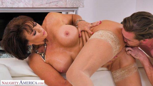 Vanessa Videl – Seduced by A Cougar 2