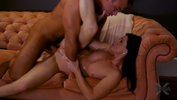 Chad White and India Summer and Vera King – Watching Porn With India