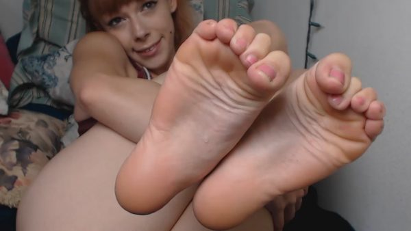 DamnedestCreature – Licking And Flexing My Feet For You
