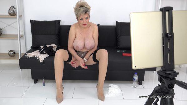 Lady Sonia – Big MILF Tits Live Stream Footage