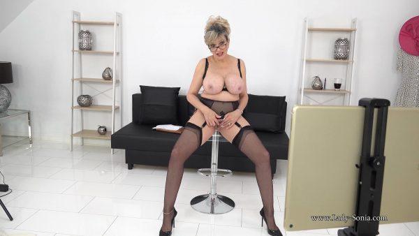 Lady Sonia – Busty MILF Teacher Live Stream Footage