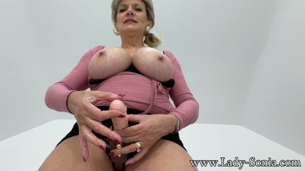 Lady Sonia – Strap-on JOI