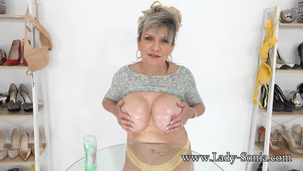 Lady Sonia – Strict JOI With Big Oily MILF Tits