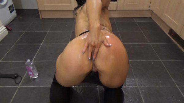 Lucy Loe – FrankieAndLucyX – Custom Ass Worship Vid