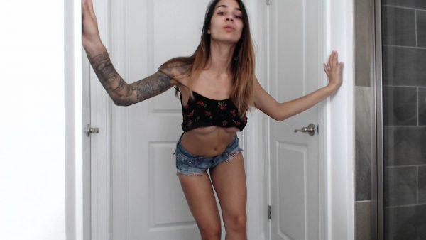 Alexis Zara – Sexy Dance With Boob Flashes