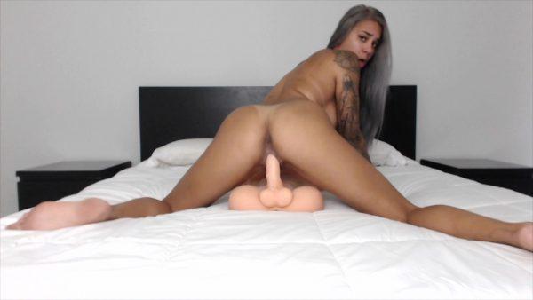 Alexis Zara – Sucking Riding and Creaming on Torso Man