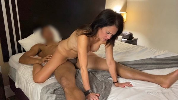 Hotwife Suzanne – Hey Another Fun Time With One of My Lates