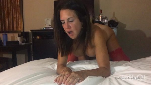 Hotwife Suzanne – Round 2 With Leo Amazing 4 Hours of 3